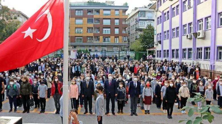 Kaymakam Bahri Tiryaki Bayrak Törenine Katıldı